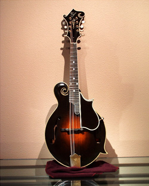 "dating gibson mandolins Although many fans of electric-guitar god jimmy page only know the mandolin as the high-pitched, plucky sounding background instrument in led zeppelin's ""the battle of evermore,"" the mandolin was largely responsible for the spread of the guitar in the late 19th and early 20th centuries, and was itself a major musical phenomenon."